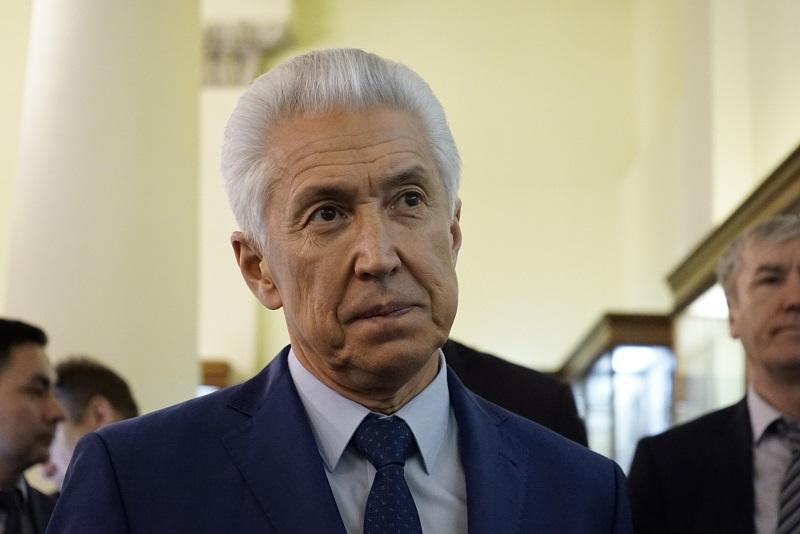 Владимир Васильев поручил выделить средства на жилье для инвалидов