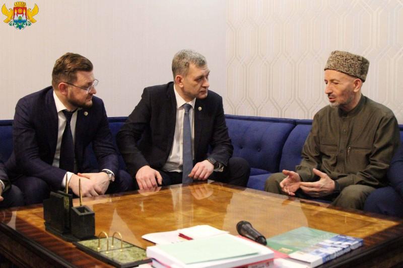 Салман Дадаев и Владимир Иванов провели встречу с муфтием Дагестана