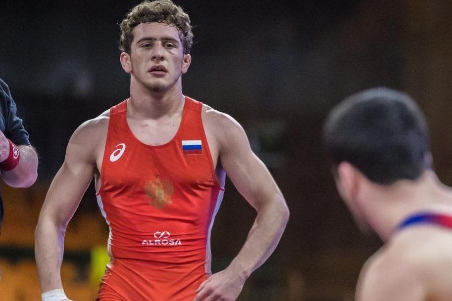 Три дагестанца поборются за золотые медали чемпионата России по вольной борьбе