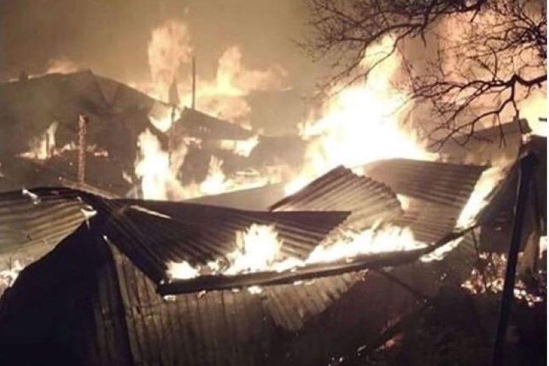Более десятка домов загорелись в селе Тисси-Ахитли