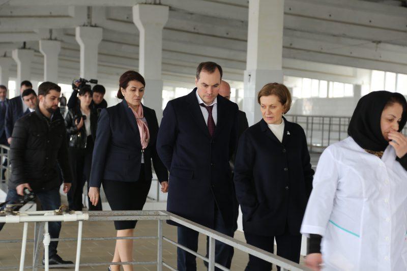 Артем Здунов и Анна Попова осмотрели объекты водоснабжения Махачкалы и Хасавюрта