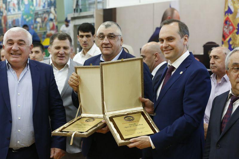 Артем Здунов посетил церемонию открытия чемпионата Дагестана по боксу