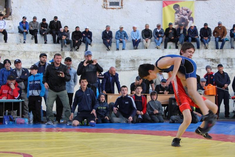 В Ахвахском районе завершился ежегодный турнир по вольной борьбе