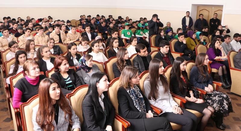 Молодежь Табасаранского района встретилась с известными земляками
