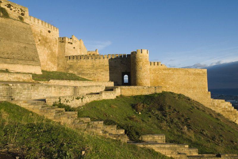 Путин обратил внимание китайских туристов на Дербент