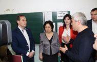 Артем Здунов посетил пострадавшие от землетрясения школы Буйнакска