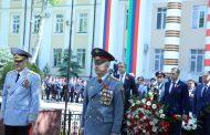 Глава Дагестана возложил цветы к мемориалу Славы сотрудников МВД в Махачкале