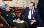Артем Здунов навестил ветеранов из Каспийска