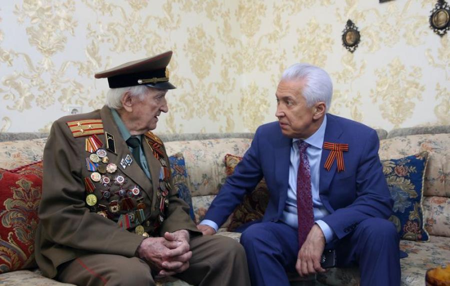 Владимир Васильев встретился с ветеранами-фронтовиками