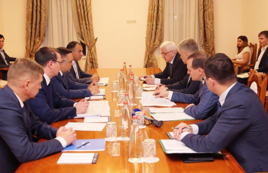 В правительстве Дагестана обсудили строительство дорог в обход Дербента и Хасавюрта