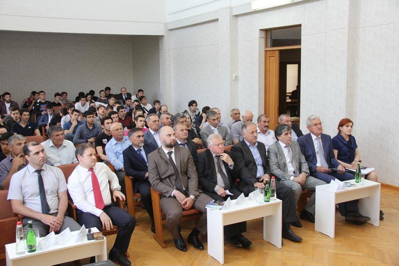 В Каспийске обсудили перспективы взаимодействия ДГТУ и производственного сектора в Дагестане
