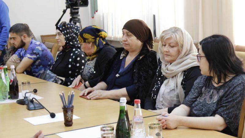 Инвалидам Дагестана вручили свидетельства на улучшение жилищных условий