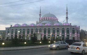 Телефонный террорист «заминировал» джума-мечеть Махачкалы