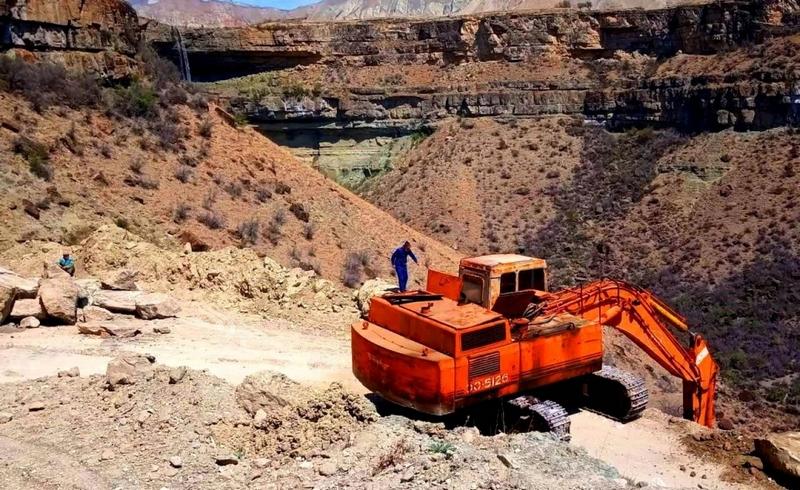 В Гумбетовском районе к 9 Мая ремонтируют дорогу Сагри – Новое Аргвани