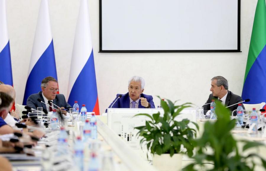 Владимир Васильев провел совещание с промышленниками и представителями ТПП