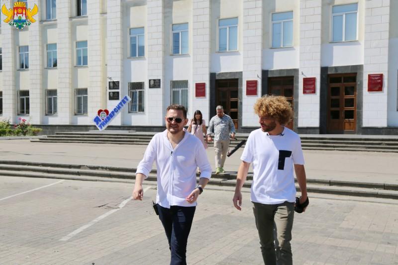 «Большая дорога с мэром»: Салман Дадаев принял участие в проекте блогера Ильи Варламова