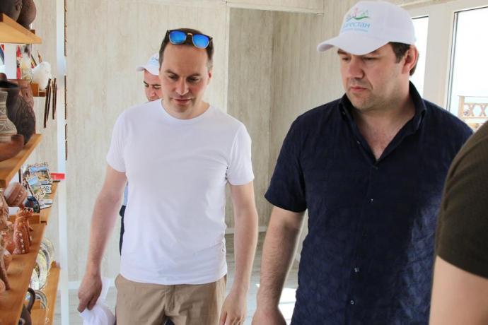 Артем Здунов посетил туристический хаб на Сулакском каньоне