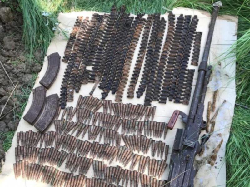 Схрон с пулеметом и боеприпасами обнаружен в Дагестанских Огнях