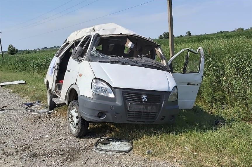 В ДТП в Бабаюртовском районе пострадали 11 человек (ФОТО)