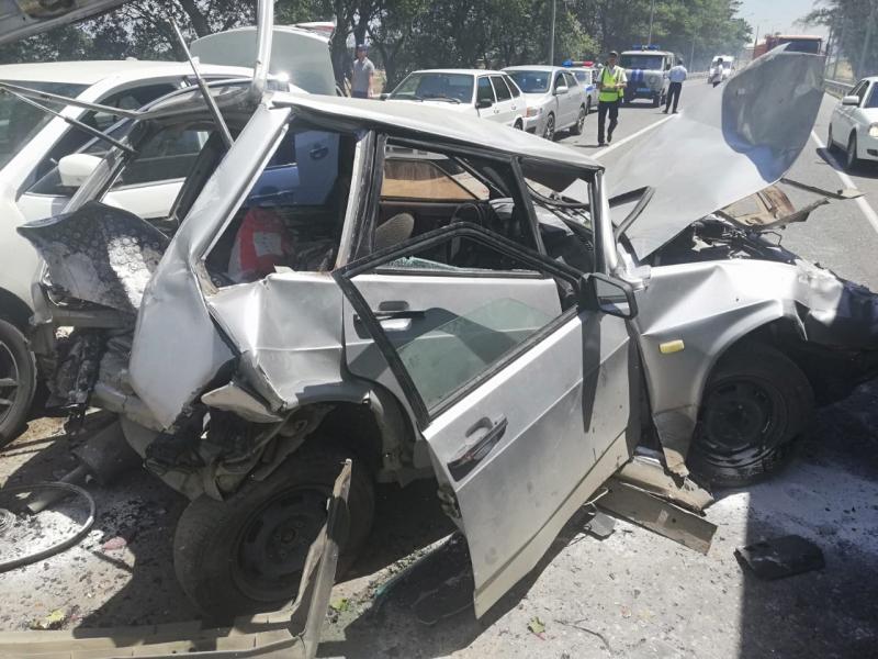 На трассе в Дербентском районе столкнулись восемь машин (ФОТО)