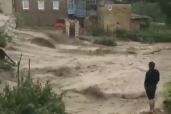 В Акушинском районе ливни вызвали селевые потоки (ВИДЕО)