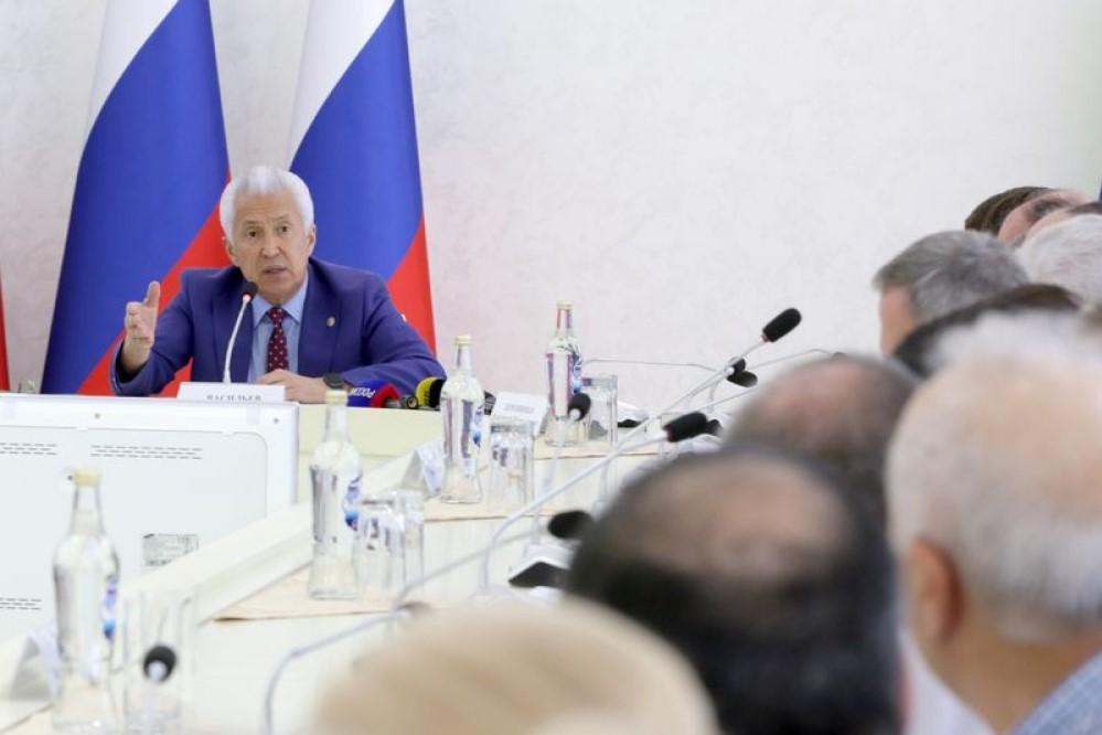 Глава Дагестана призвал поддержать легальный бизнес