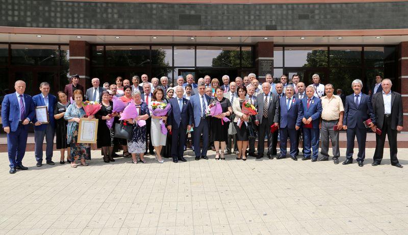 Владимир Васильев вручил государственные награды отличившимся дагестанцам