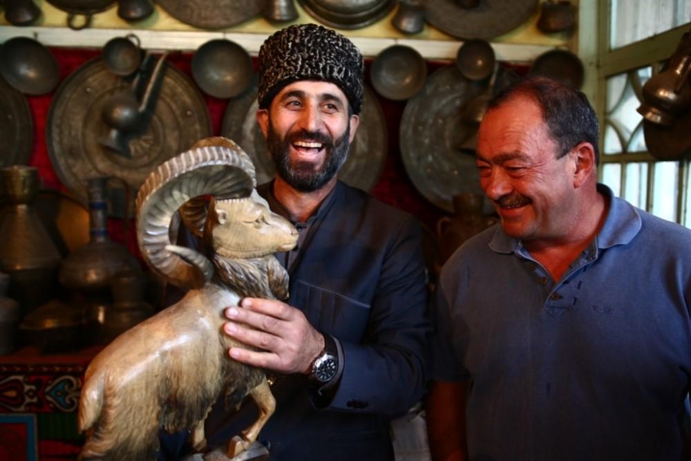 Гид из Дагестана Муртазали Магомедов получил премию Клуба путешествий Михаила Кожухова