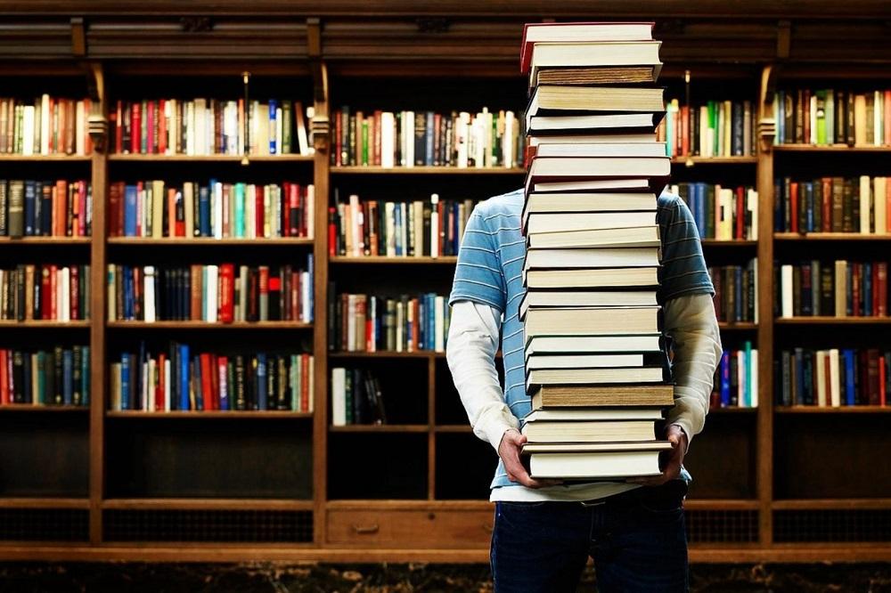 ВЦИОМ: россияне чаще покупают книги, чем читают