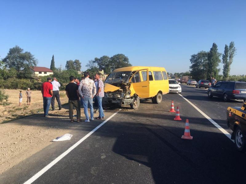 Шесть человек пострадали в ДТП с пассажирской «Газелью»