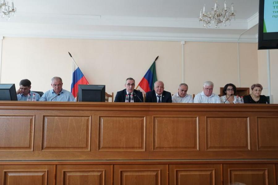 Сразу три значимых вопроса обсудили на коллегии минздрава Дагестана