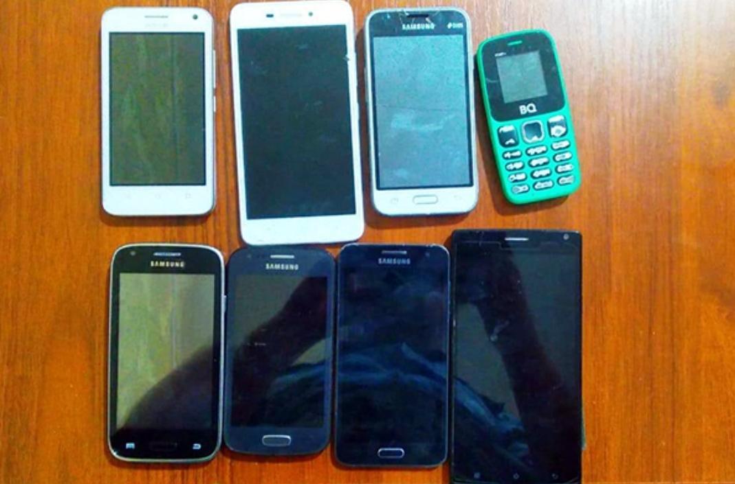 Житель Дагестана пытался перебросить в колонию партию мобильных телефонов