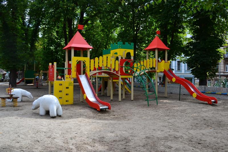 Скверы с детскими площадками появились в двух селах Табасаранского района