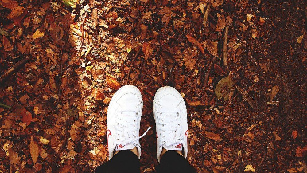 Тренды красно-желтых дней. Дагестанский стилист - о модной одежде и обуви нынешней осенью