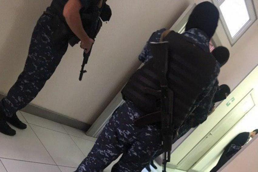Силовики провели обыски в налоговой инспекции по Ленинскому району Махачкалы