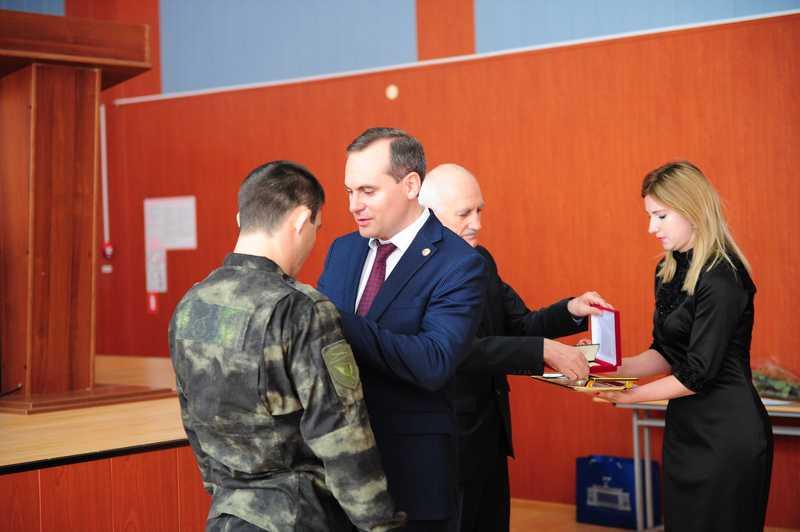 Артем Здунов поздравил бойцов СОБРа с профессиональным праздником