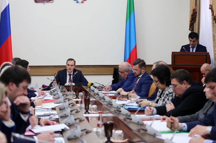 Артему Здунову отчитались о социально-экономическом развитии Дагестана