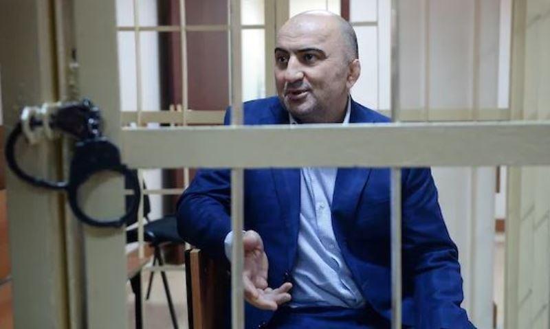 В Москве начался суд над полковником полиции Магомедом Хизриевым