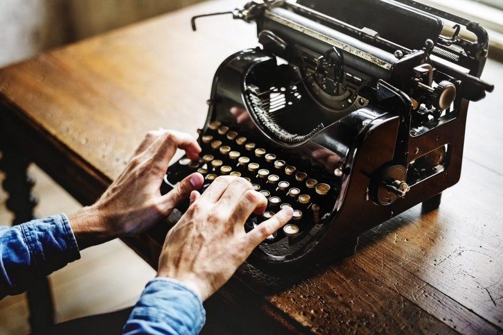 Привет из прошлого. 19 октября – День написания письма в будущее