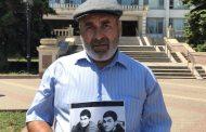 Отец убитых братьев Гасангусеновых вновь выйдет на пикет в Махачкале
