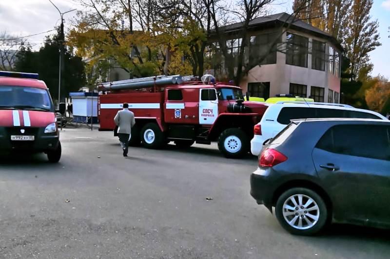 Полиция ищет бомбу в администрации Махачкалы