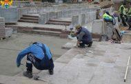 Махачкалинские власти проверили ход ремонта центральной площади города