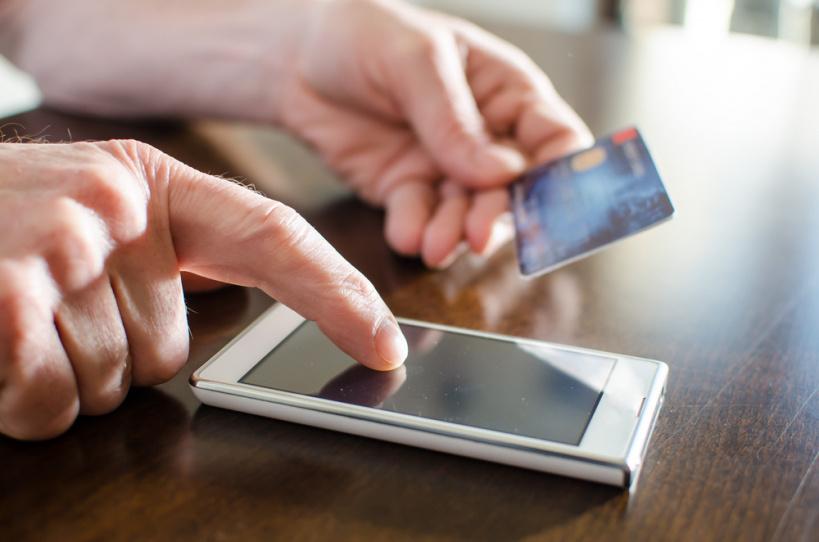 Как телефонные мошенники разводят владельцев банковских карт