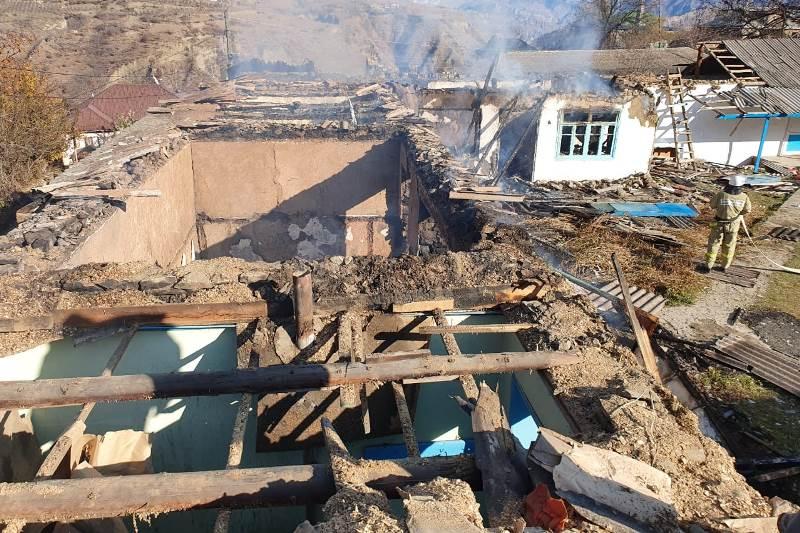 В Гунибском районе сгорела школа