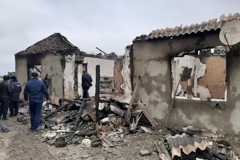 Двое детей погибли при пожаре на кутане