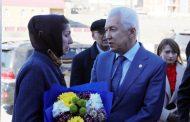 Владимир Васильев возложил цветы к мемориальной доске Зейнудину Батманову