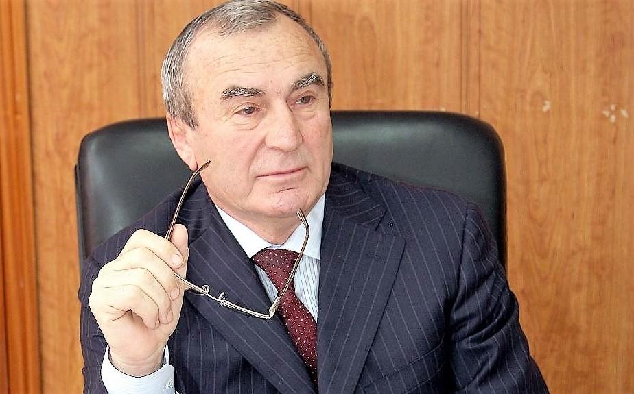 Бывший мэр Каспийска Омаров заподозрен в превышении полномочий