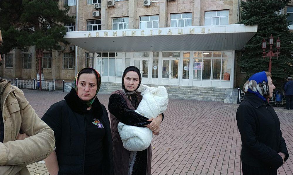 «Мы им платили, а они говорят: денег нет…» 3000 избербашцев четвертую неделю без газа