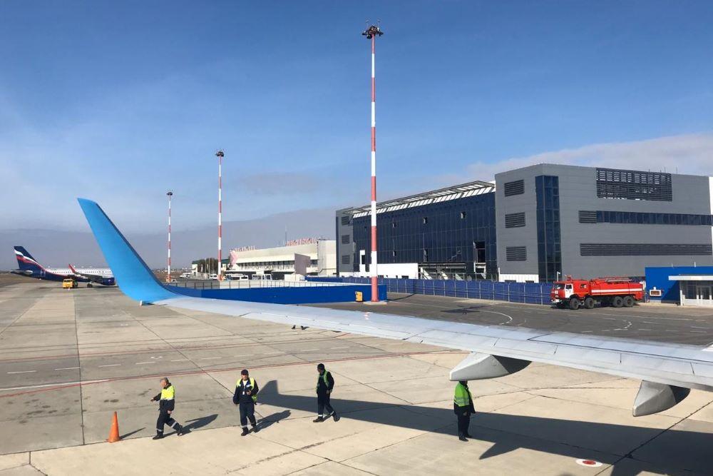 Аэропорт Махачкалы возобновил работу