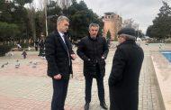 Владимир Иванов проверил благоустроенность парка и набережной Каспийска